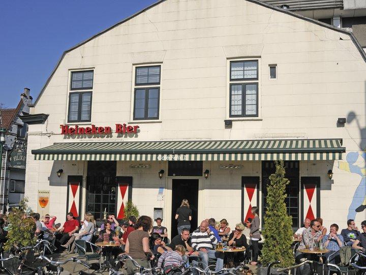 Het zonnigste terras van Hilversum bij Café Felix 2